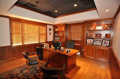212 Railroad Dr - office